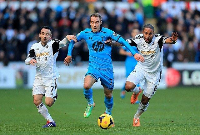 Christian Eriksen z Tottenhamu (uprostřed), Dánsko