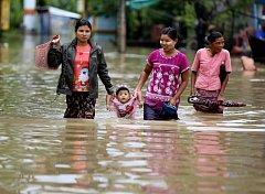 Střední a jižní Barma čelí povodním