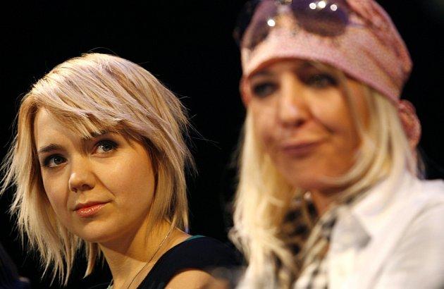 V hlavní roli se představí Lucie Vondráčková (vlevo).