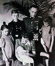 Rudolf Höss s rodinou