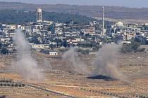 Izraelský letoun v neděli zabil čtyři ozbrojence, kteří se k izraelské hranici se Sýrií pokoušeli dostat výbušniny. Po několika hodinách, dnes brzo ráno, pak izraelské letectvo zaútočilo na muniční sklad syrské armády a jejího libanonského spojence.