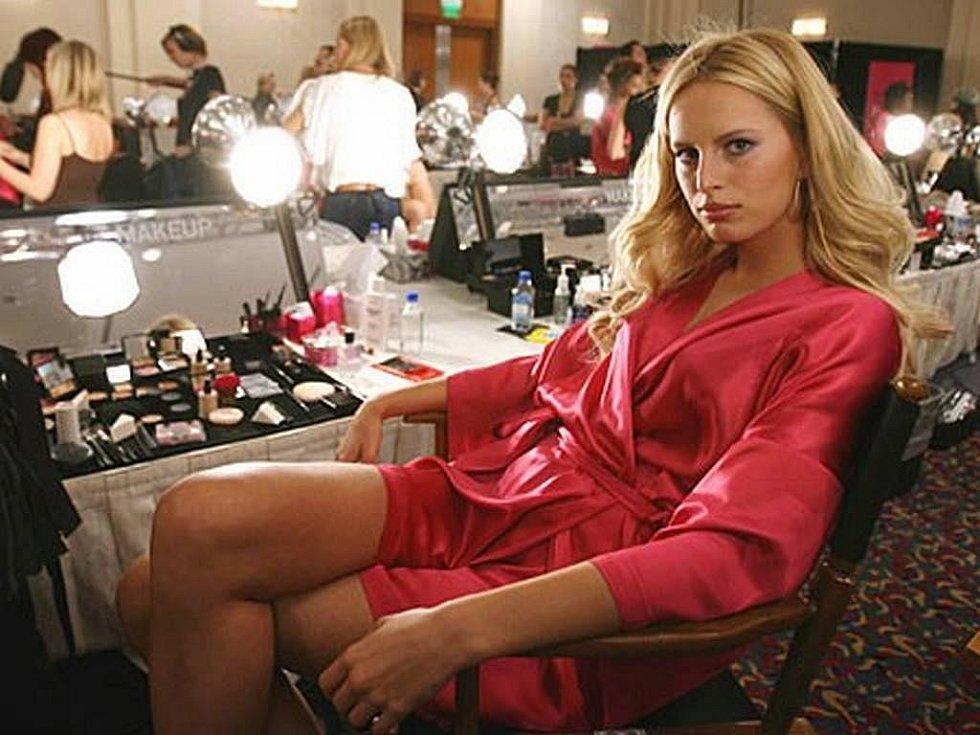 Karolína Kurková, česká modelka, která se prosadila v Americe