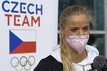 Plavkyně Simona Kubová hovoří s novináři