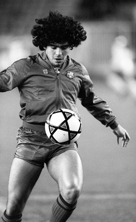Diego Maradona v dresu FC Barcelona. Rok 1982
