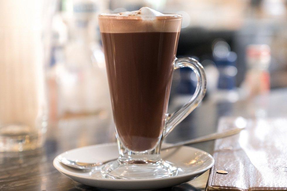 Skořicová horká čokoláda