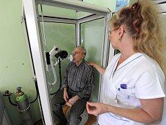 Vyšetření spirometrem. Ilustrační foto
