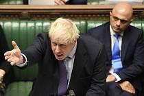 Britský premiér Boris Johnson na schůzi parlamentu