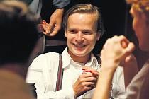 """MAŠÍNŮV """"BONDY"""". Mezi podpořenými projekty RWE je pro příští rok i film Tři sezóny v pekle s Kryštofem Hádkem v hlavní roli."""