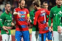 Fotbalisté Plzně Michal Hubník (druhý zprava) a Tomáš Hořava (druhý zleva) v zápase proti Jablonci.