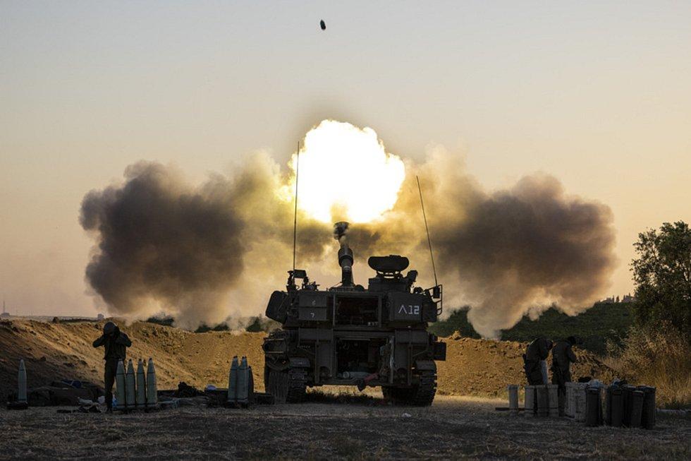 Palba izraelského dělostřelectva