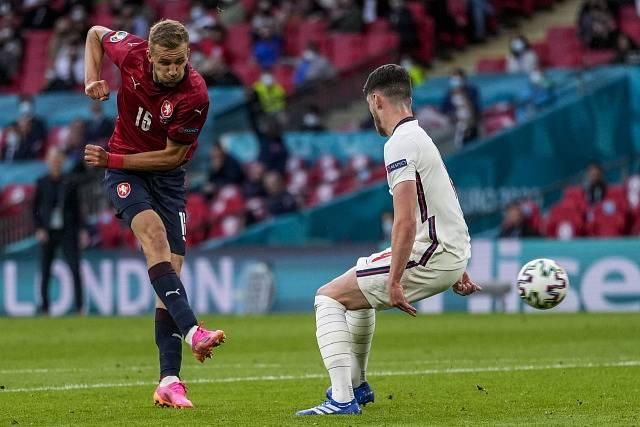 Tomáš Souček v utkání Česka s Anglií.