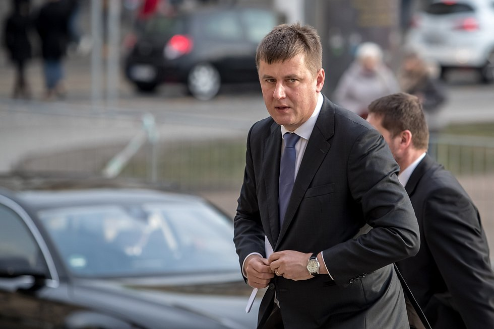 Hosté přicházeli 3. února k pražskému Rudolfinu na pietní shromáždění k uctění památky zesnulého předsedy Senátu Jaroslava Kubery. Tomáš Petříček