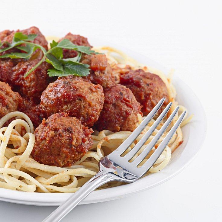 Špagety s masovými kuličkami