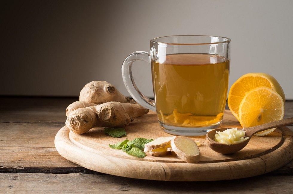 Zázvorový čaj dobře chutná a současně nám prospívá.