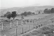 Pohraničníci na čáře mezi ČSSR a NSR na Knížecích pláních na Šumavě (na snímku z 25. července 1968).