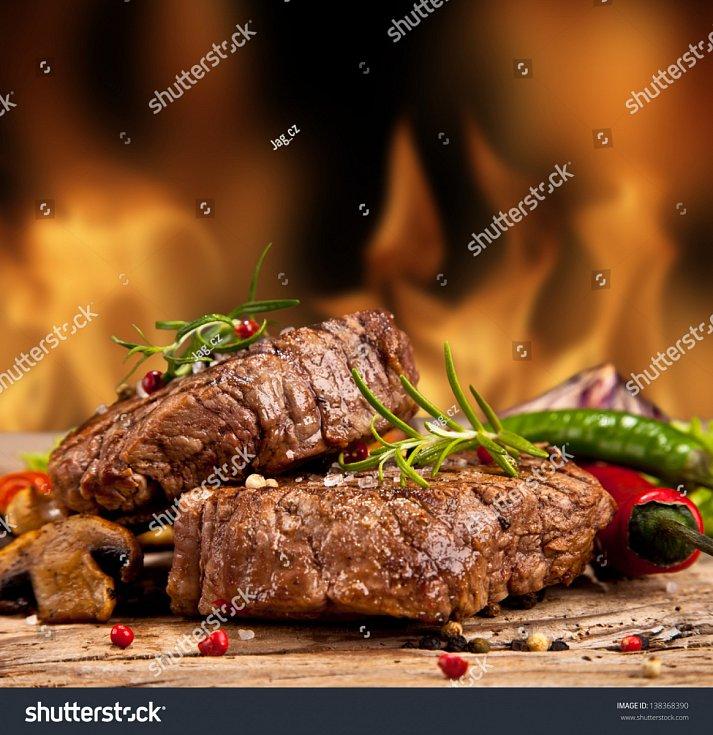 Grilování je fenoménem a odvětvím gastronomie, ve kterém se dá lehce experimentovat, pokud víte, jak na to.