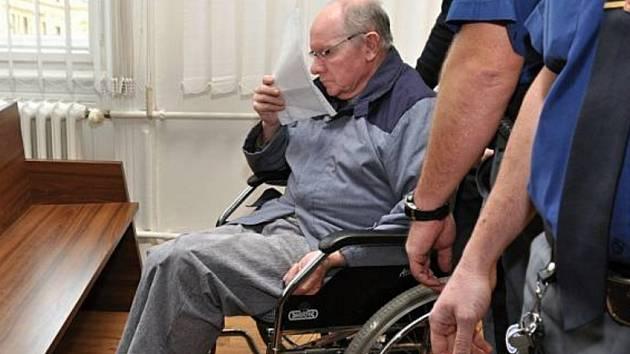 Soud uložil Josefovi Šimkovi 15 let v případu vraždy v Záhornicích na Nymbursku.