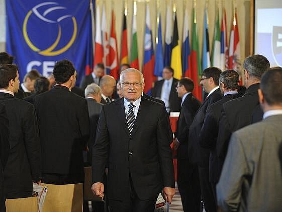 Slavnostního losování volejbavvoého mistrovství Evropy se zúčastnil i prezident Václav Klaus.