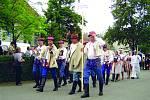 Horňácko je především proslulé bohatou hudební a taneční kulturou. Až do současnosti se uchovala sedlácká, klenot mezi párovými tanci.