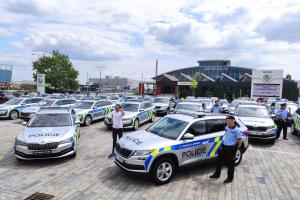 Nové automobily pro policii.