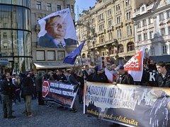 Svatováclavská manifestace, kterou pořádali pravicoví extremisté, se konala 28.září v Praze. Průvod prošel od Václavského náměstí na nábřeží Edvarda Beneše.
