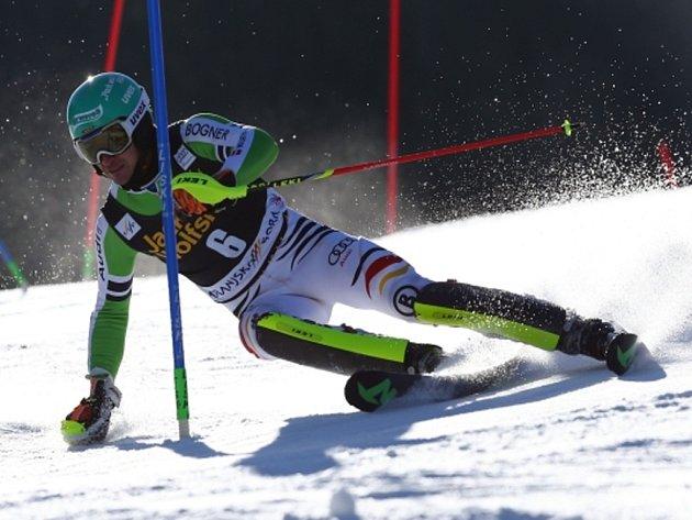Felix Neureuther v Kranjské Goře triumfoval ve slalomu a má nejblíže k malému křišťálovému glóbu.