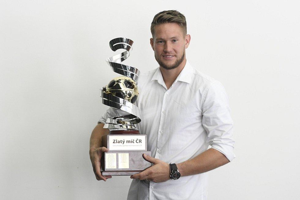 Tomáš Vaclík s trofejí