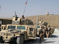 Tři vojáci z českého provinčního rekonstrukčního týmu v afghánské provincii Lógar ve středu v ranních hodinách místního času utrpěli lehká zranění