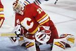 Brankář hokejistů Calgary David Rittich.