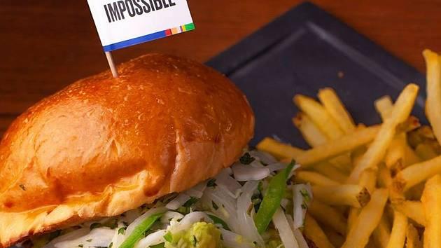 Impossible Burger 2.0 přichází s novou recepturou, která nabízí ještě vyšší podobnost s hovězím masem.
