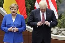 Vztah Angely Merkelové a Donalda Trumpa rozhodně neoplývá srdečností.
