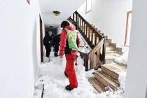 Rezidenci v italském alpském středisku Sestriere zavalila lavina