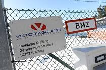 Logo společnosti Viktoriagruppe v areálu v německém Kraillingu
