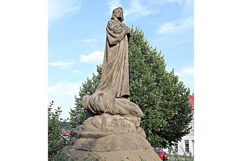socha Jana Husa