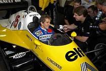 Alain Prost bude znovu propagovat značku Renault.
