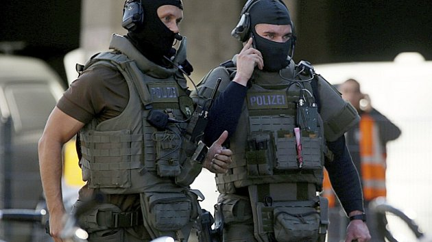Na nádraží v Kolíně nad Rýnem zasahuje policie