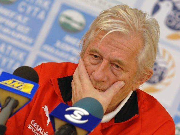 Trenér české fotbalové reprezentace Karel Brückner.