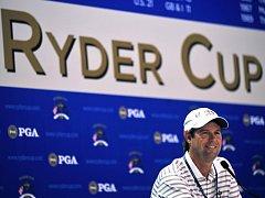 Kapitán amerického výběru Paul Azinger na tiskové konferenci před zahájením 37. ročníku Ryder Cupu.