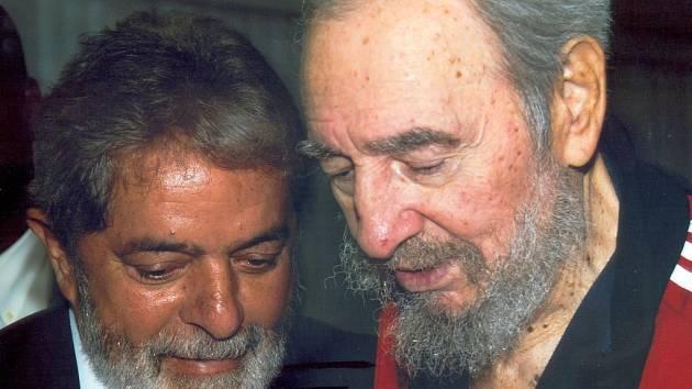 Fidel Castro (vpravo) při setkání s brazilským prezidentem.
