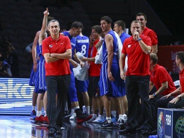 Izraelský trenér českých basketbalistů Ronen Ginzburg (vlevo) po vítězství nad Chorvatskem.
