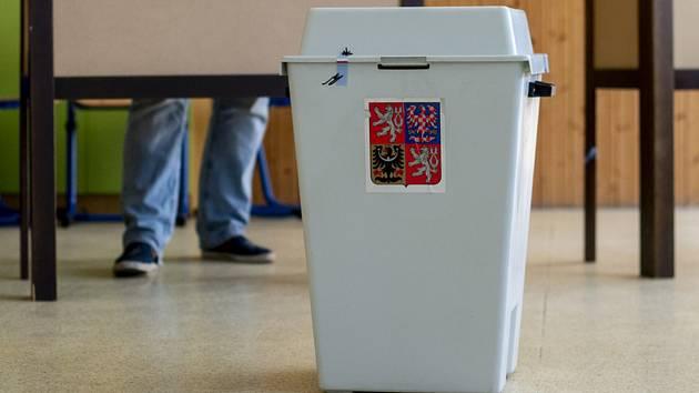 Vláda připravila dvě varianty volebního zákona. Podle které se budou nejbližší volby řídit?