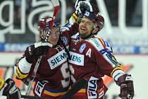 Michal Broš (vpravo) se raduje se s Netíkem.