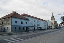 Napajedla - náměstí s bývalým starým zámkem, spořitelnou a radnicí