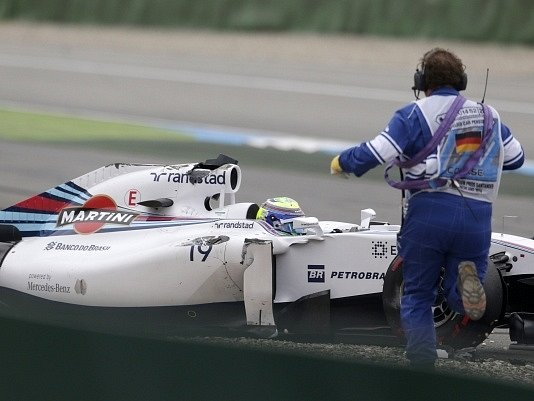 Velká cena Německa: Felipe Massa měl nehodu
