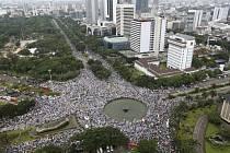 Demonstrace proti guvernérovi v Jakartě