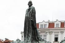 Pomník Jana Husa na Staroměstském náměstí v Praze