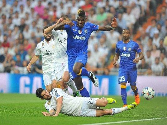Real Madrid - Juventus Turín: Paul Pogba byl zastaven