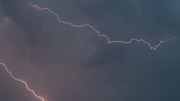 Bouře, blesky - ilustrační foto.