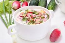 Ředkvičková polévka s koprem