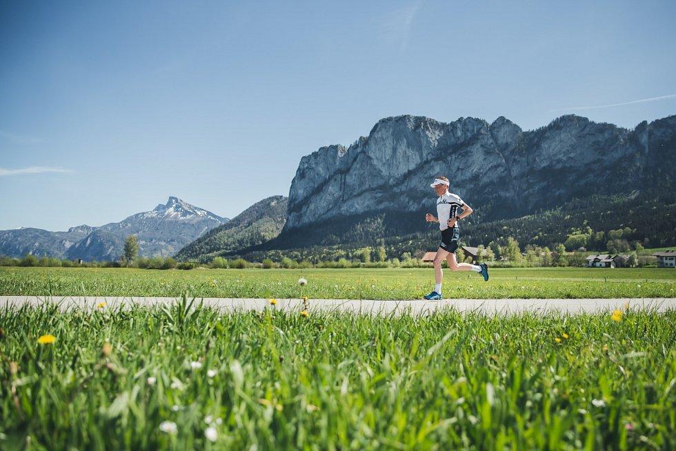 Hory a příjemné teploty přilákaly na rakouské silničky také Andrease Goldbergera. Bývalého skokana na lyžích